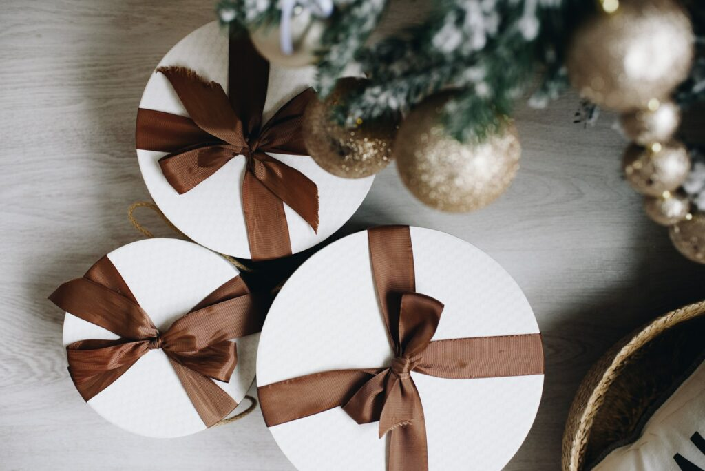 6 B2B Marketing & Sales Tips to Close More Deals During the Holiday Season