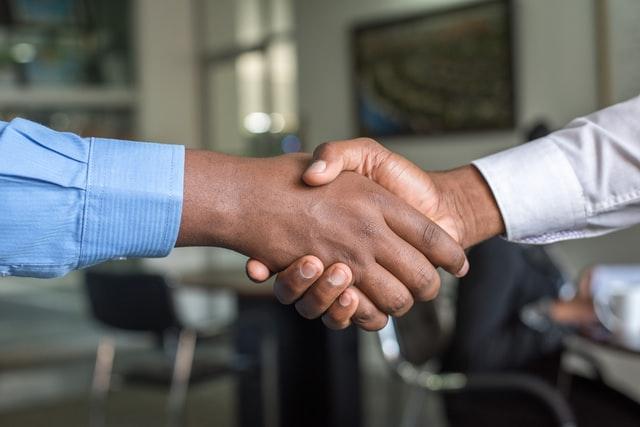 8 Sales Negotiation Tips to Close More Deals